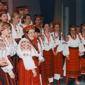 Vesnivka getting ready to sing